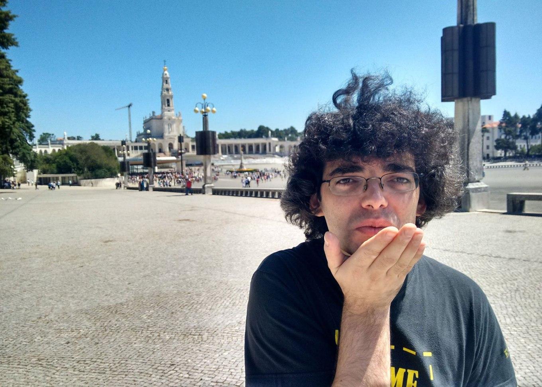 Jorge-Daniel-01-Glitch-Effect